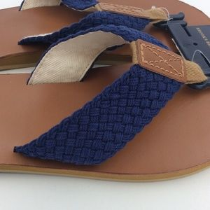 03fe36d42e26 Brooks Brothers Shoes - Men s Navy Flip Flops by Brooks Brothers 10M New